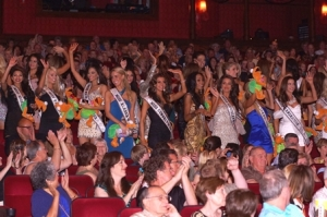 Miss USA Contestants at Terry Fator by Cashman Photo